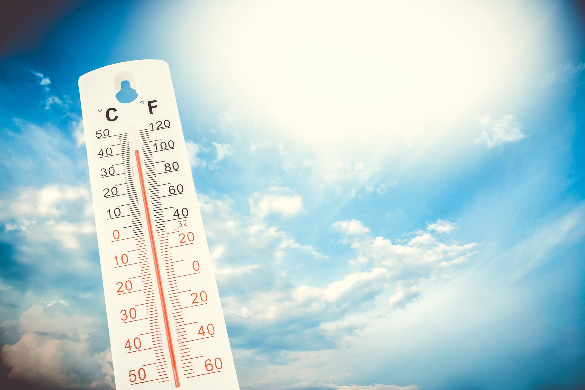 thermomoeter-in-the-sun